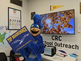 Roady Delivers Top Roadrunner Sign
